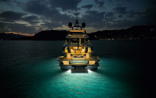 OASIS 40M_AFT NIGHT VIEW_WEB RES - boat shopping