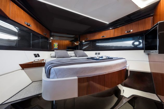 56' Rivale Hard Top 18 - boat shopping