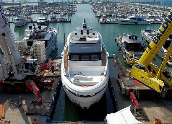 Extra X96 Triplex - boat shopping
