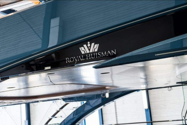 Primeiras imagens superiate Project Phi Royal Huisman - boat shopping