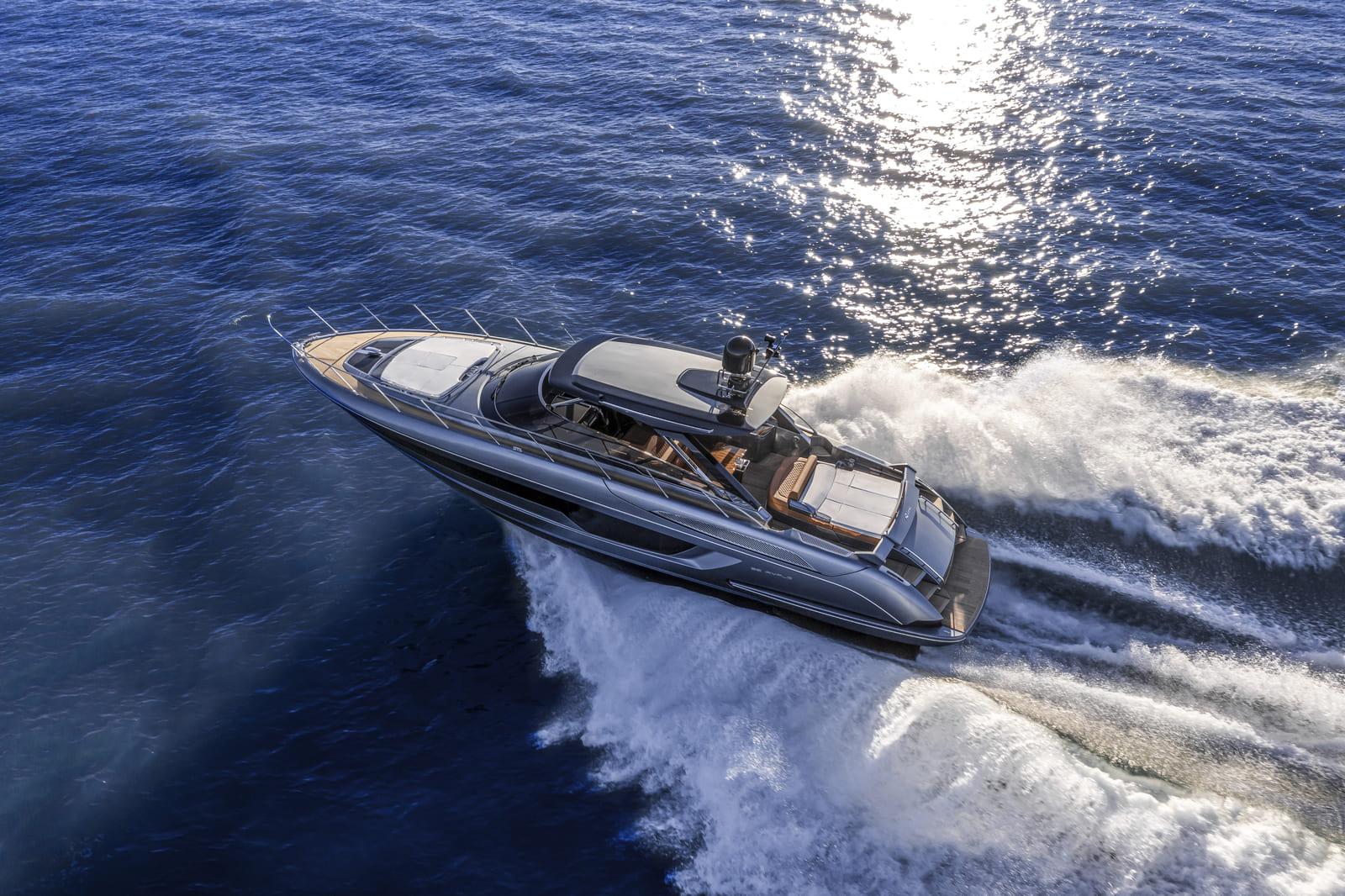 Riva 56 Rivale Hard Top 1 - boat shopping