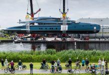Superiate Phi Royal Huisman - boat shopping