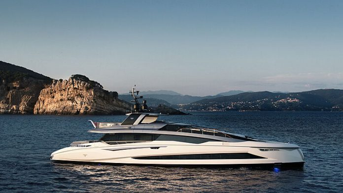 Tecnomar Evo 120 - boat shopping