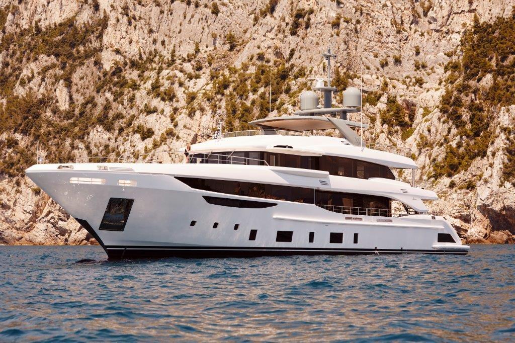 Benetti-Diamond-44M-boat-shopping-1