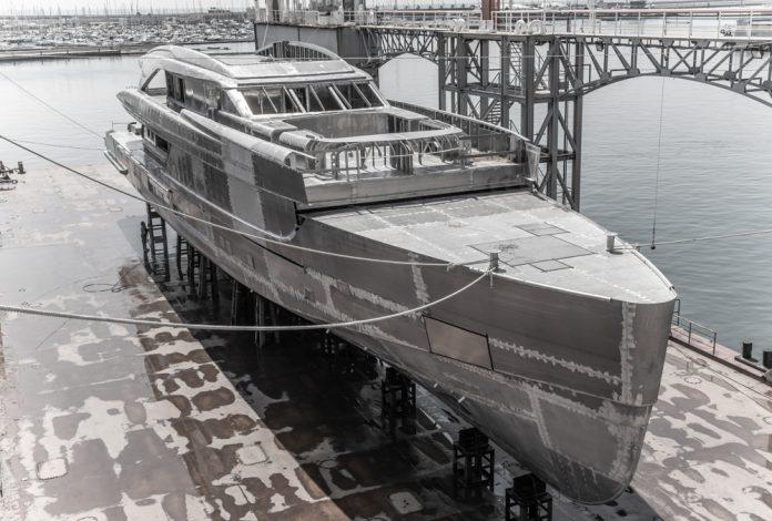 Tankoa-superiate-50-metros-boat-shopping-6