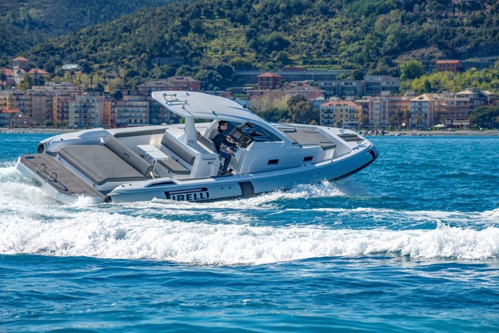 TecnoRib-Pirelli-35-boat-shopping-2