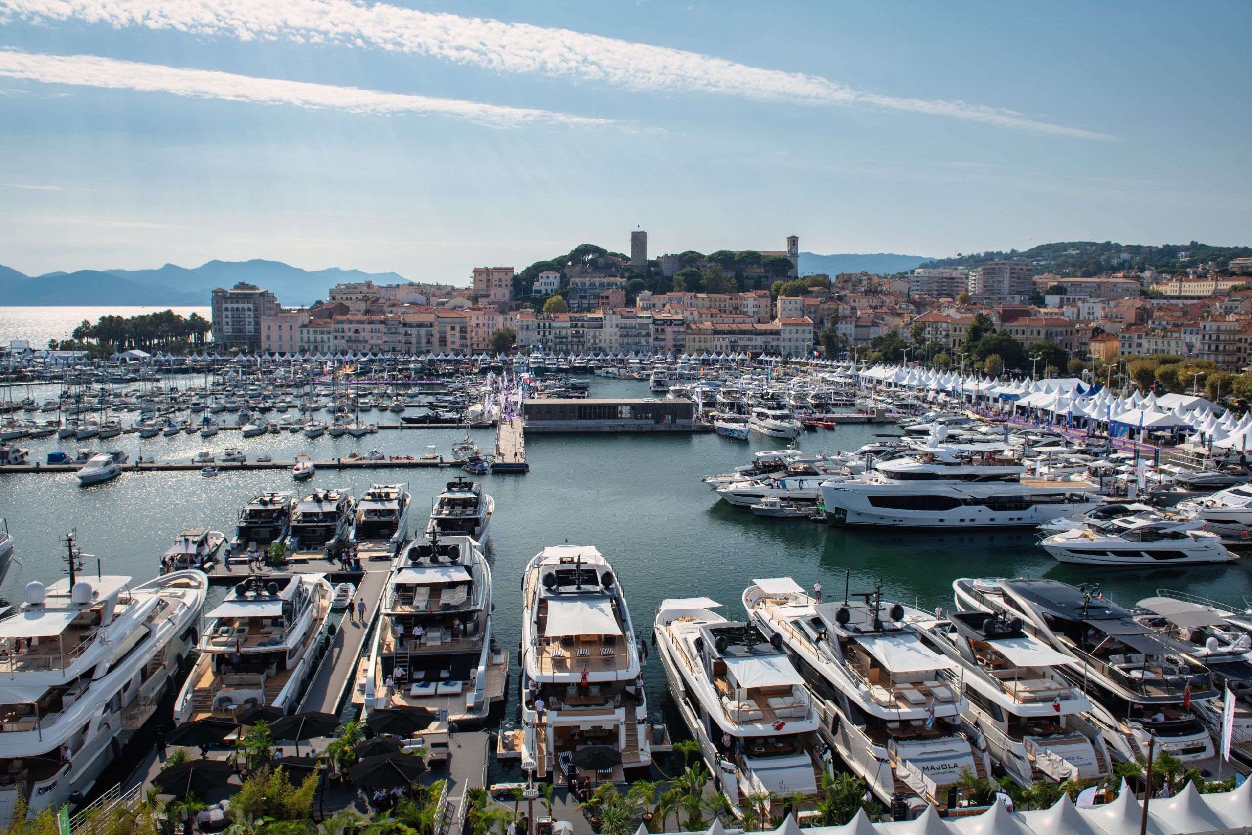 cannes-yachting-festival-2021-boat-shopping-1