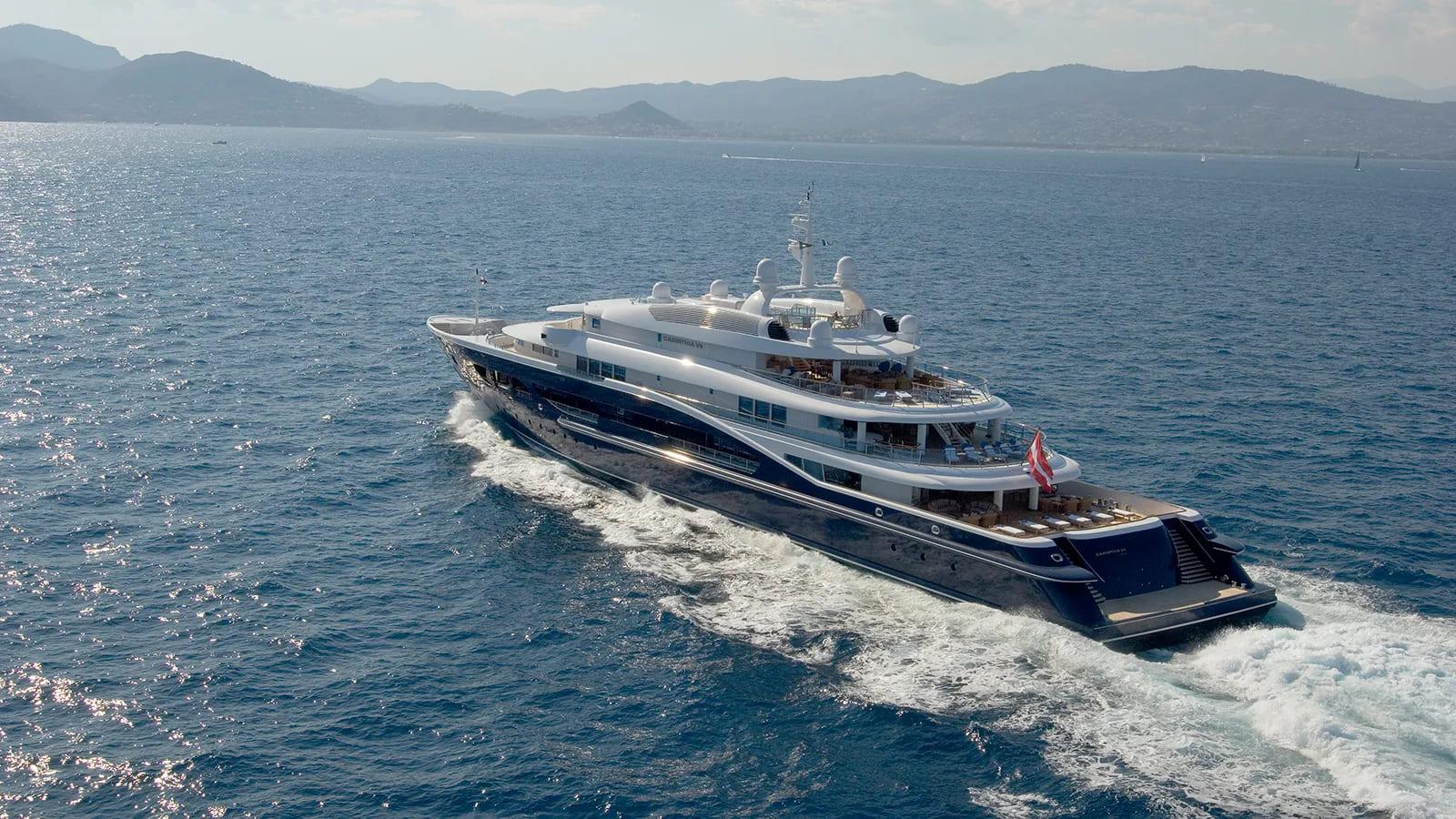 carinthia-VII-boat-shopping-2