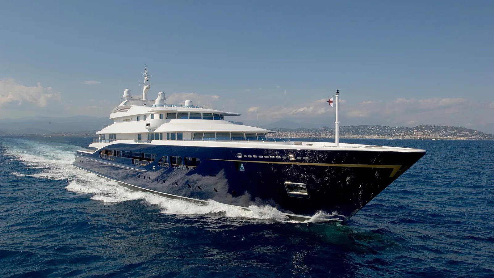 carinthia-VII-boat-shopping-3