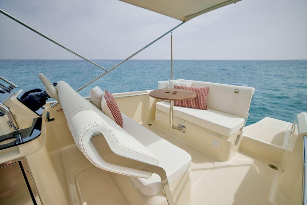 invictus-yachts-SX200-boat-shopping-2