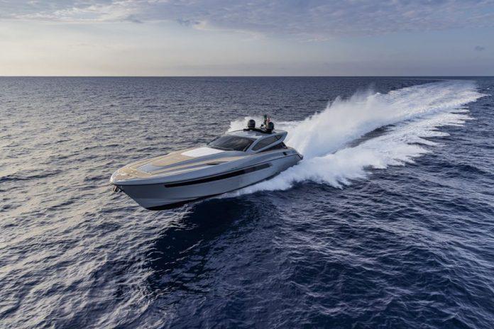 otam-70HT-boat-shopping-1