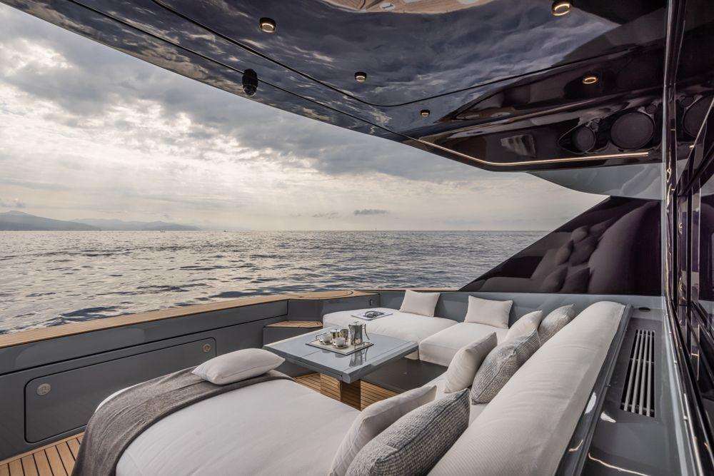 otam-70HT-boat-shopping-3