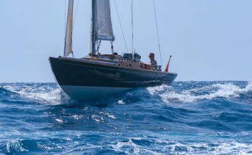 spirit-46-james-bond boat shopping 1