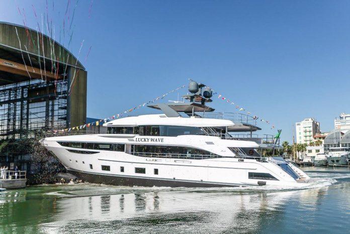 Benetti MY Lucky Wave launch_Diamond boat shopping 1
